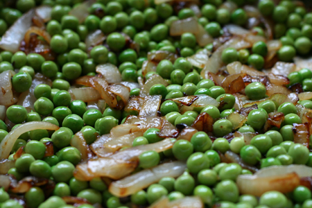 shelled peas and onions 2.jpg