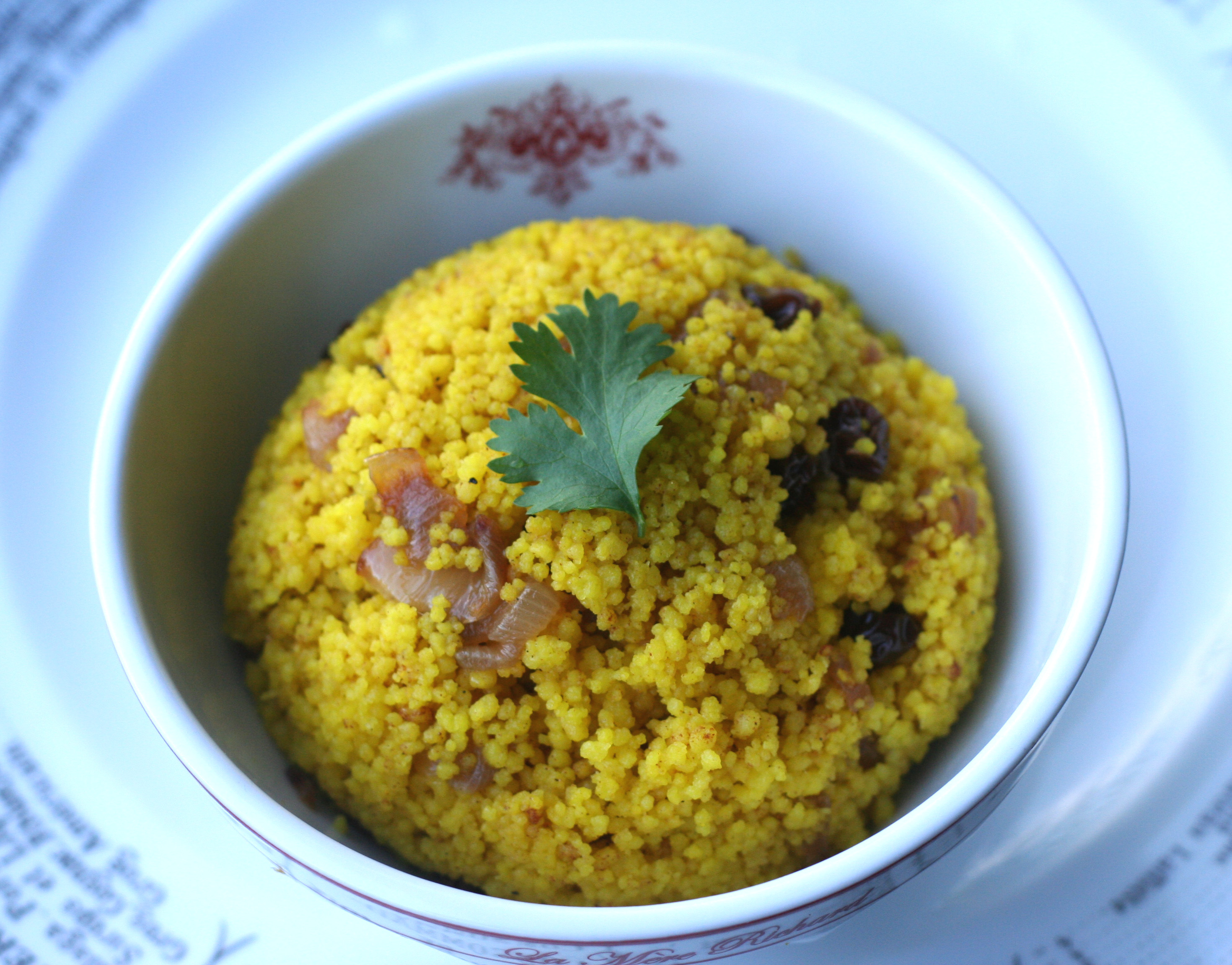 Couscous T'Faya: saffron couscous with caramelized onions