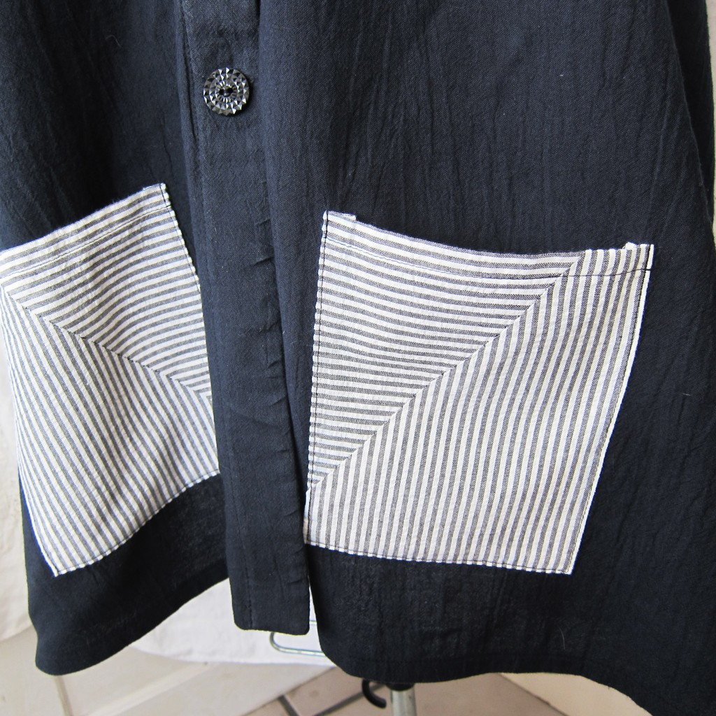 pocket detail bandw shirt