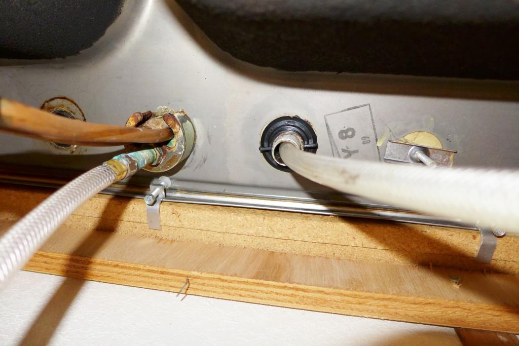 under the sink sitch